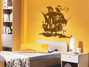 Kinderzimmer Streichen Junge : wandtattoo piraten schiff mit piratenflagge auf dem segel ~ Orissabook.com Haus und Dekorationen