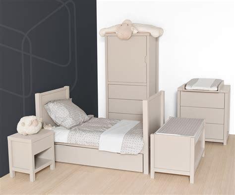chambre bébé quax armoire small quax marques