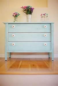 Blue, Dresser