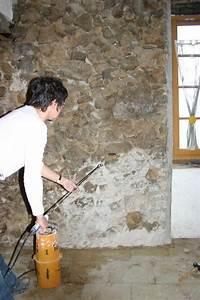 Comment Isoler Un Mur En Pierre Humide : rejointoyer un mur pierres vues avec un mortier de chaux ~ Premium-room.com Idées de Décoration