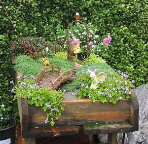 Pflanzen Für Drinnen : 13 m rchenhafte mini g rten zum selbermachen f r drinnen und drau en seite 2 von 13 diy ~ Frokenaadalensverden.com Haus und Dekorationen