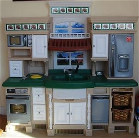 step 2 lifestyle deluxe kitchen step2 lifestyle deluxe kitchen step 2 play kitchen