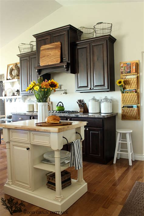 decorating country kitchen our fall home tour on country living the wood grain cottage 3112