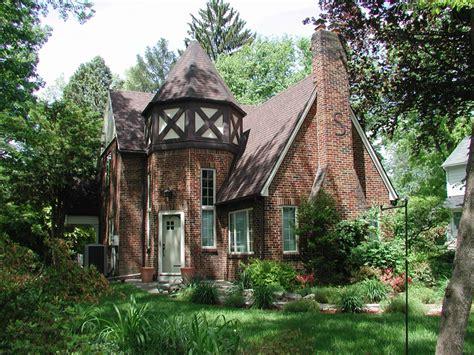tudor revival cottage house plans