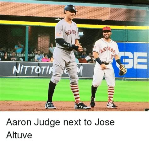 aaron judge funny aaron judge next to jose altuve funny meme on me me