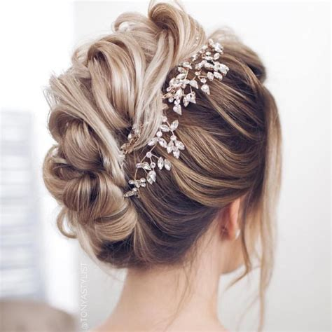 bridal hairstyle tips   wedding day