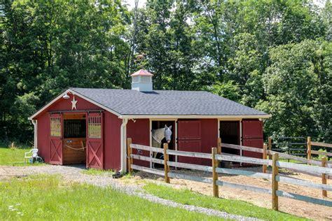 center aisle horse barn   barn yard great