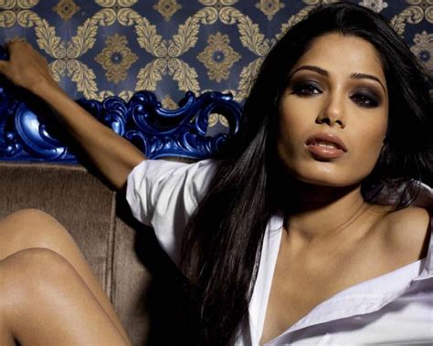 freida pinto eh entertainment