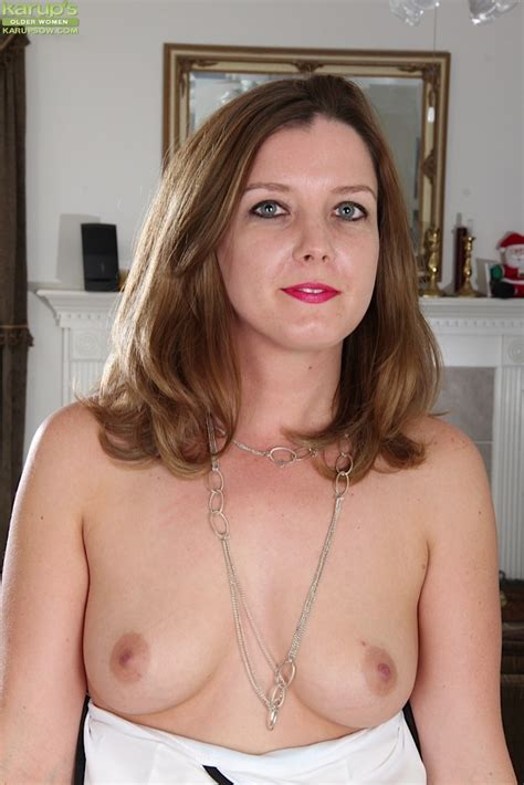 Gorgeous Wife deliliah stevenson Spreads Her Pussy Pichunter