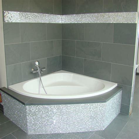 pose carrelage mosaique salle de bain ardoise grise carrelage mosaique en miroir a coller le