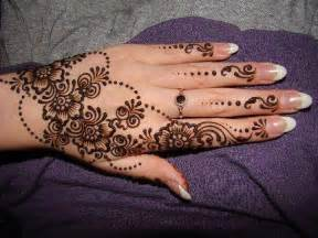 Top Lovely Floral Mehndi Designs For Hands Feet 2016