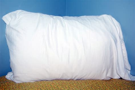 how to make a pillow from an sheet