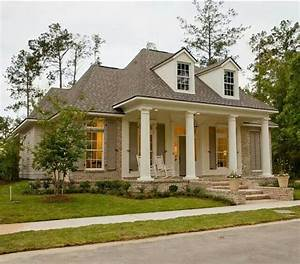 Love the Louisiana style house! Home Decor Pinterest