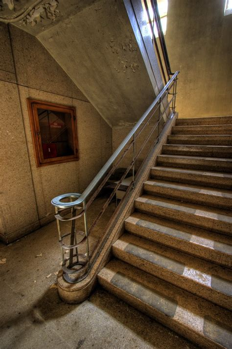 Art Deco Staircase | This photo was taken in the same