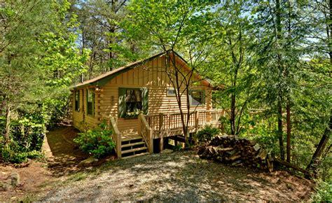 sliding rock cabins highlands cottage sliding rock cabins 174