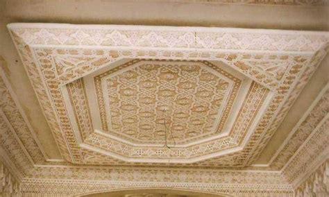 plafond decoratif salon marocain d 233 co salon marocain