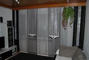 Schiebegardinen Grau Weiß : wohnzimmer schiebevorhang in wei silber und grau mit ~ A.2002-acura-tl-radio.info Haus und Dekorationen