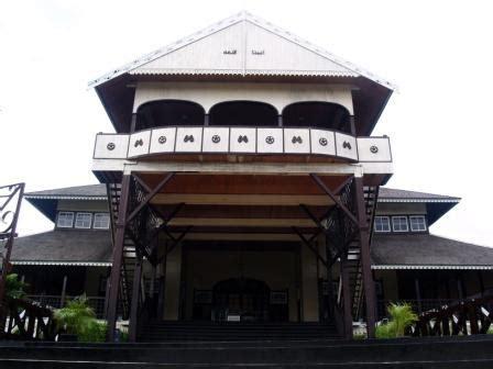 gambar rumah adat indonesia bagian  budaya linikini