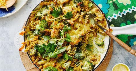 pan creamy chicken pesto pasta bake
