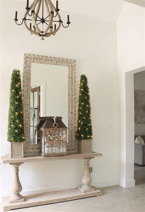christmas entry decor   blog entryway decor