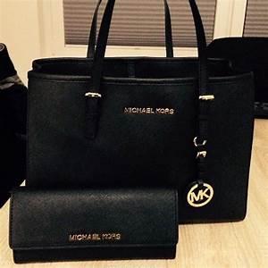 Black Friday 2017 Michael Kors Handbags