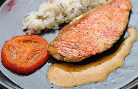 cuisine rouget rouget et sa sauce aux foies cuisine à l 39 ouest