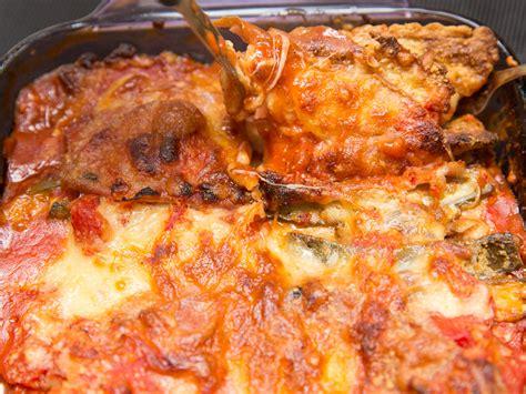 comment cuisiner des aubergines facilement comment cuisiner des aubergines au parmesan 24 é