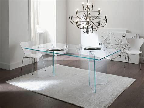 nella vetrina tonelli bacco contemporary italian designer
