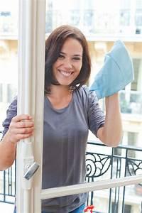 Streifenfrei Fenster Putzen : fenster putzen mit diesen 3 tipps geht 39 s problemlos ~ Lizthompson.info Haus und Dekorationen