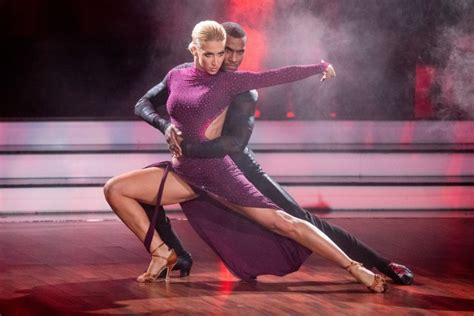 She was born on september 24, 1988 and her birthplace is. Let's Dance 2020: So steht's nach Show 2 - wer bei der ...