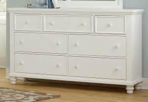 vaughan bassett ellington white triple dresser