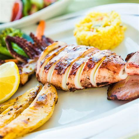 calamars grillés facile recette sur cuisine actuelle