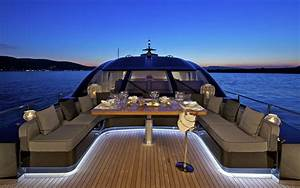 Planning A Summer Boat Party Just Got Surprisingly Easy