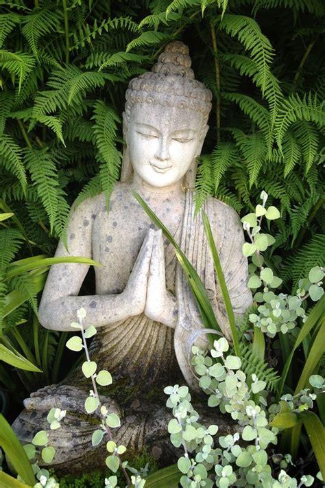 Buddha Zen Garten by Die 25 Besten Ideen Zu Buddha Auf Buddhismus