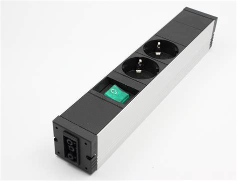 steckdosenleiste mit schalter aluprofile 24 steckdose steckdosenleiste stecker arbeitsplatz energieversorgung