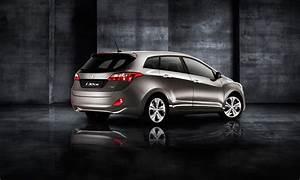 Hyundai I30 Cw : hyundai i30 cw 2017 1 6l gls a t full option in kuwait new car prices specs reviews photos ~ Medecine-chirurgie-esthetiques.com Avis de Voitures