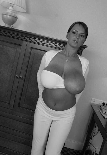 juliet huddy titbig breast daily tits photos