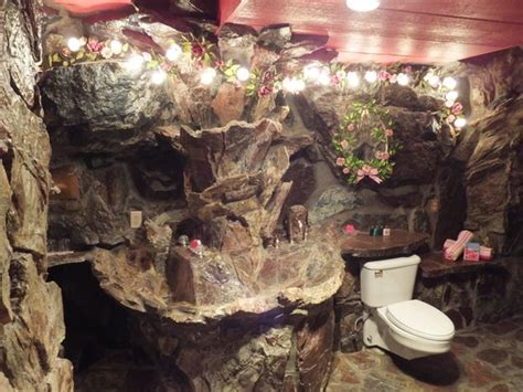 Madonna Inn Bathroom Pictures by Madonna Suite Bathroom Picture Of Madonna Inn San Luis