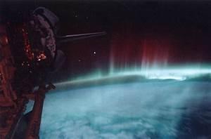 File:Aurora-SpaceShuttle-EO.jpg - Wikimedia Commons