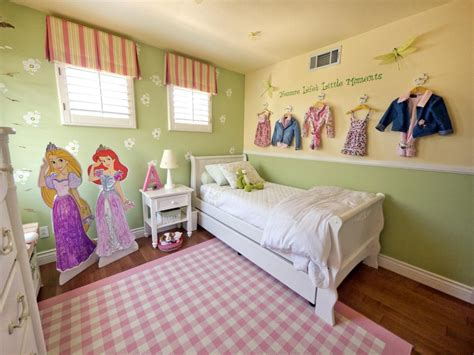 A Multifunctional Little Girl's Room In A Small Space