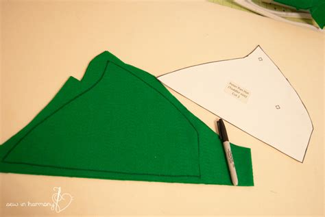 Tinkerbell Template Felt by Peter Pan Hat O Asked For A Peter Pan Hat Found The