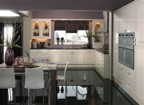 Farbe Für Küche  Küchenwand In Kontrastfarbe Streichen