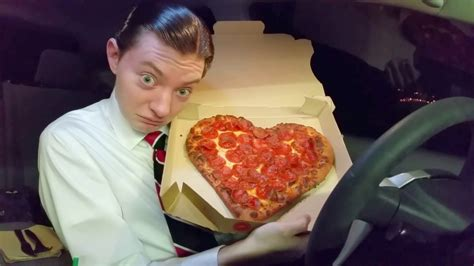 Pizza Hut Heartshaped Valentine's Day Pizza  Food Review