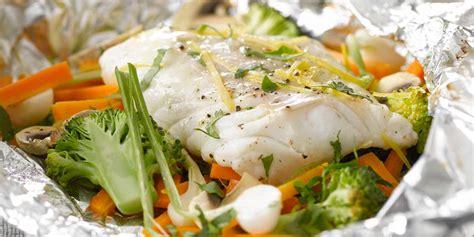 livre de cuisine gastronomique papillote de poisson au brocolis facile recette sur cuisine actuelle