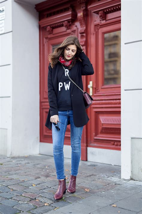 Simple et chic blogger sweater fall outfits ankle ...
