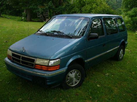 1993 Dodge Caravan by 1993 Dodge Caravan Base Mini Passenger 3 Door 2 5l