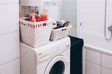 ablage badezimmer so einfach lässt sich ein kleines badezimmer modern gestalten