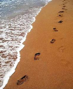 """Shelbyra Fitri """"다비치"""": Footprints in the sand......"""