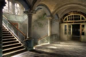 glamorous homes interiors hochwertige tapeten und stoffe fototapete mit treppenaufgang 0360 0 decowunder