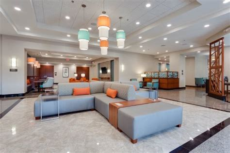 Drury Inn & Suites Fort Myers At I-75 And Gulf Coast Town